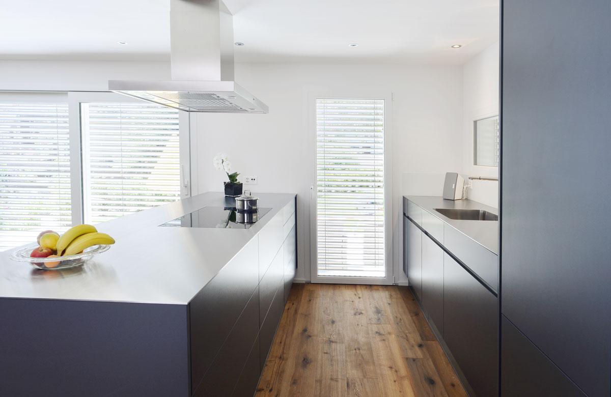 Moderne küchen mit halbinsel  GLB line - Innenausbau - Türen | Treppen | Fenster | Möbel ...
